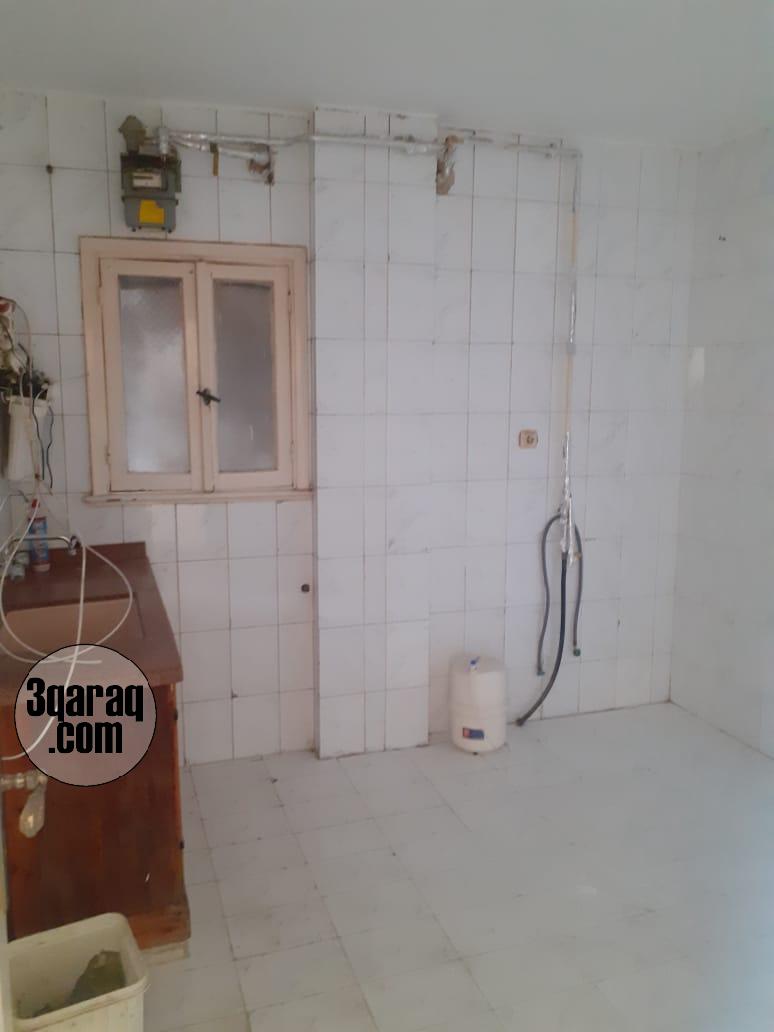 شقة للبيع  بـــ لوران - خطوتين من شاع ابو قير