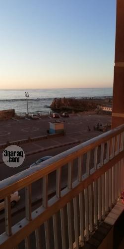 شقة للايجار مفروش - بير مسعود - سيدى بشر -الاسكندرية -الدور٢-على البحر مباشرة -للأسر فقط