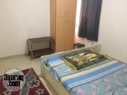 شقة في الهرم ثلاث غرف مفروشة ومكيفة-محطة التعاون