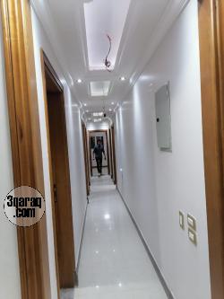 مكتب للايجار فى شيراتون رخصه ادارى 200م شارع رئيسي موقع مميز جدا